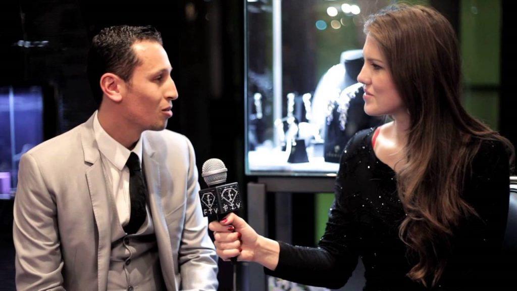 الطالب الليبي الشاب محمد شاويش في مقابلة تلفزيونية يتحدّث عن أغلى فلاش ميموري في العالم - الفطر العجيب