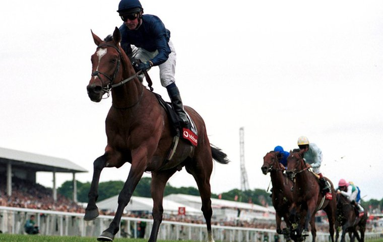 Galileo, ridden by Michael Kinane, is one of the most impressive Epsom Derby winners for years. Photo: Martin Lynch/Racingfotos.com