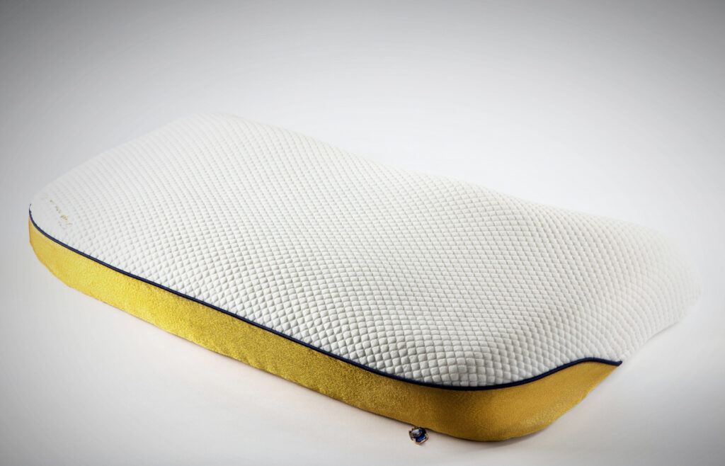 The world's most expensive pillow - Van Der Hilst | Zipper