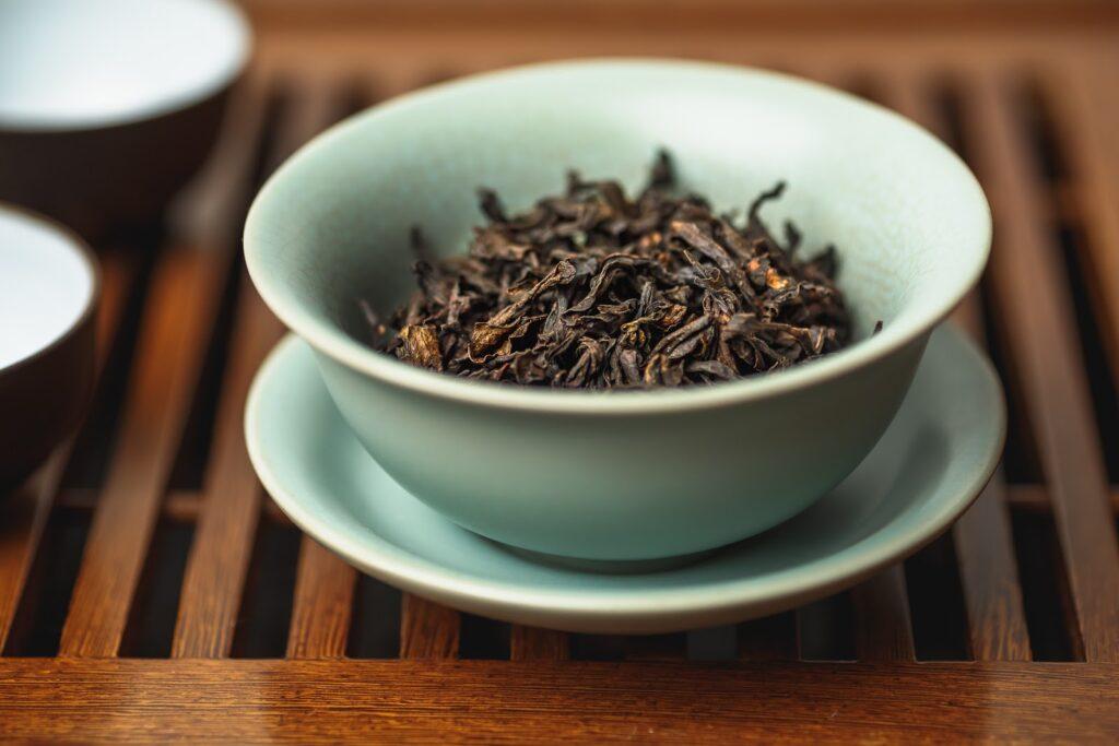 لماذا شاي دا هونج باو هو أفضل أنواع الشاي في العالم والأغلى ثمناً.