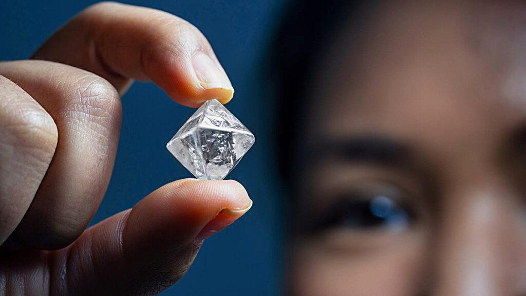 صور الماس: ما هو ماس VVS؟ نوعية الماس