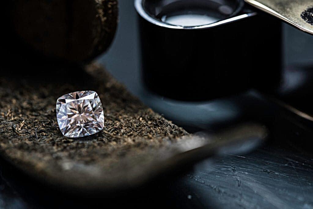 صور الماس: هل ماس VVS هو أفضل أنواع الماس؟