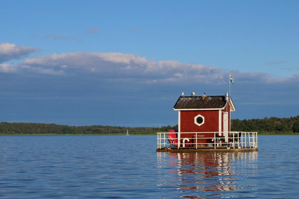 Top Ten Underwater Hotels - The Utter Inn Hotel in Sweden