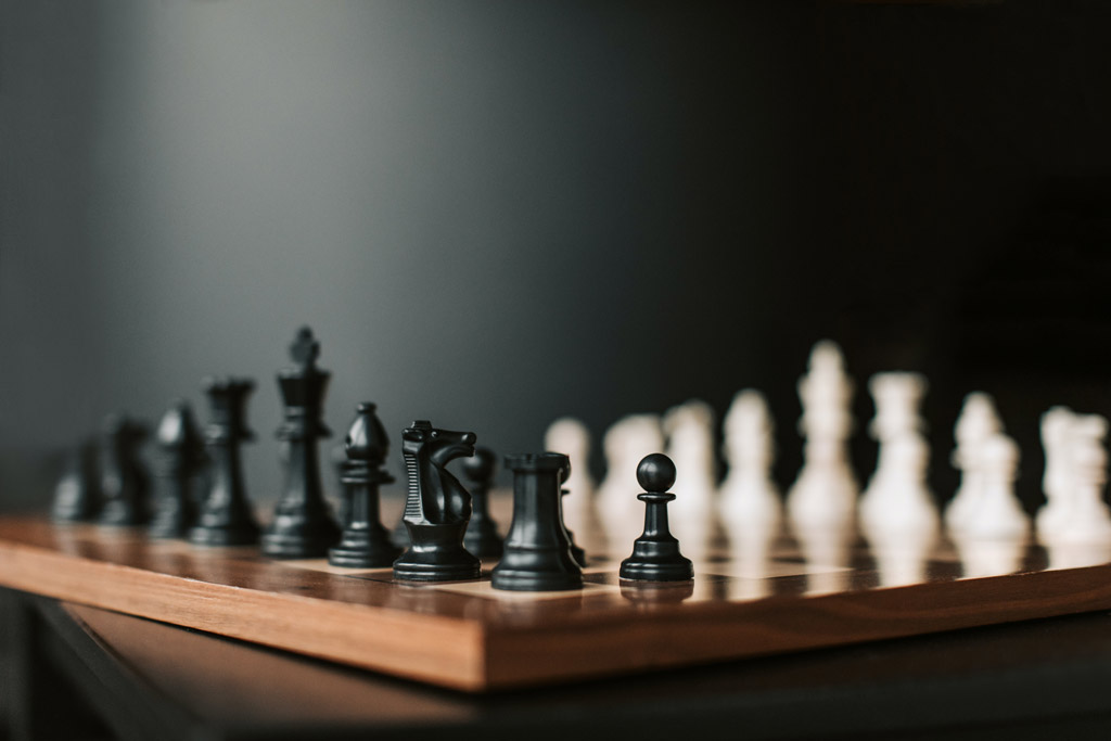 Pick the Right Chess Store For the Luxury Chess Set