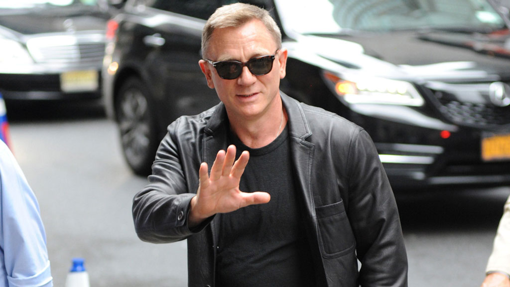 Celebrities With Leather Jackets - Daniel Craig
