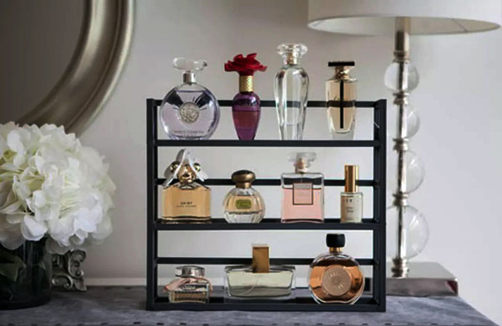 Makeup organization ideas - Spice Rack Makeup Display